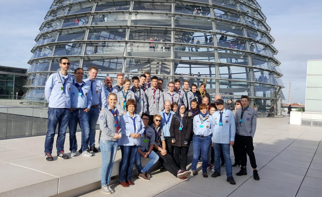 Pfadfinderinnen und Pfadfinder aus Nesse-Apfelstädt auf der Spur der Demokratie im Berliner Bundestag