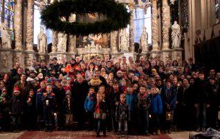 Mut zum Frieden – Pfadfinder*innen aus dem Landkreis Gotha an der Aktion Friedenslicht beteiligt