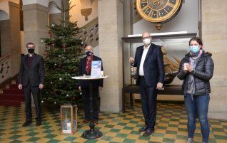 Premiere: Friedenslicht aus Bethlehem im Rathaus